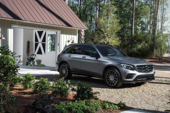 HGTV-Smart-Home-2018-Mercedes-Front-Yard-Garage-595x397 HGTV Smart Home Tour - Palmetto Bluff