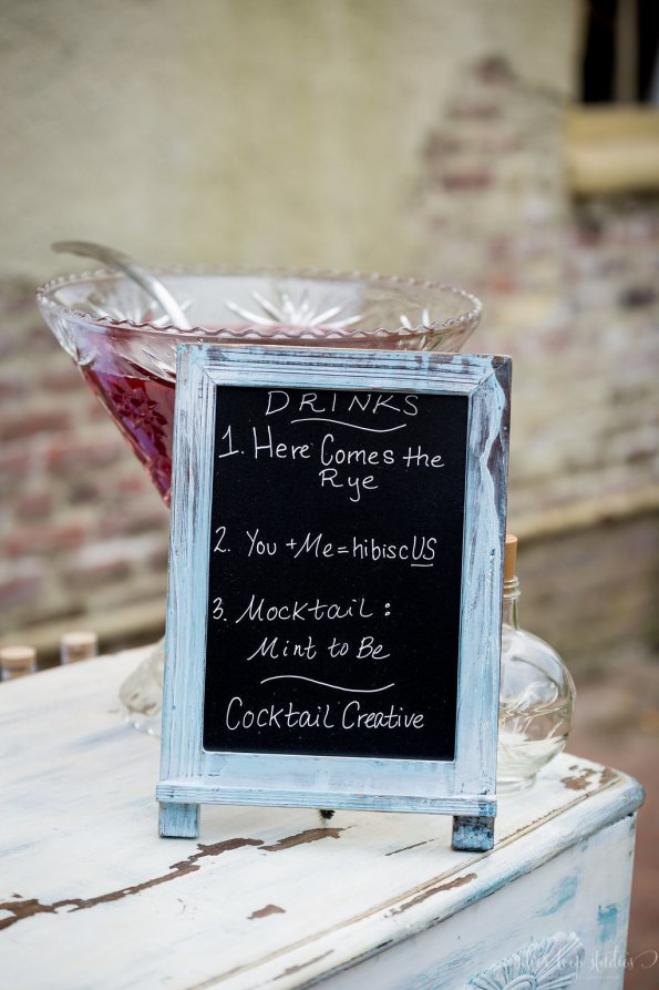 MyaKeithSneakPeeks-0052-1-595x893 Classic New Orleans Nuptials - NOLA Wedding Inspiration