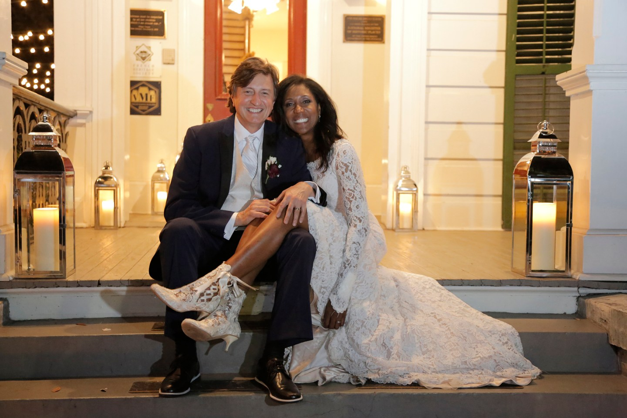 icsbzrcbubobjqvec542_big NOLA Wedding with Broadway Style