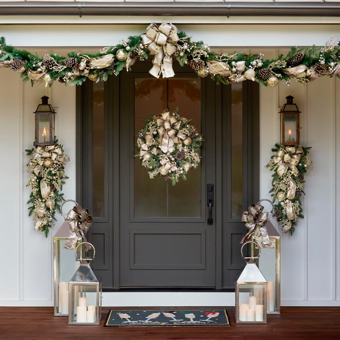 Gold_Holiday_Wreath-1 4 Classic Holiday Wreaths for a Southern Home