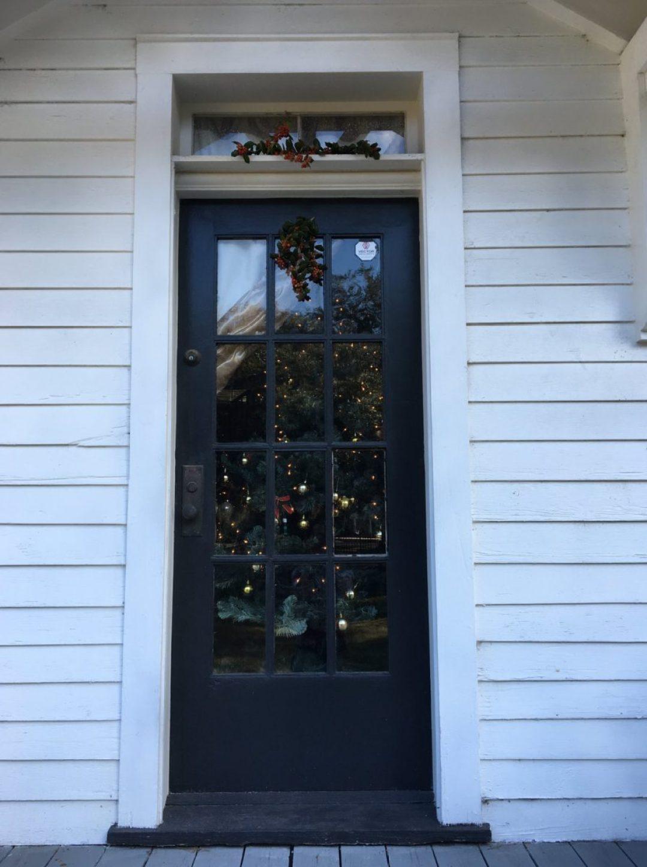 47437200_2640045659339243_4815765070283800576_o-1440x1930 Penn Center Holiday Decor - Gullah Traditions