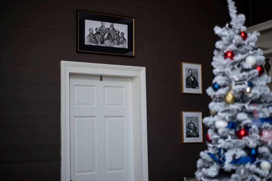 DSC_2904 Patriotic Holiday Decor: Reconstruction Era Holiday Theme