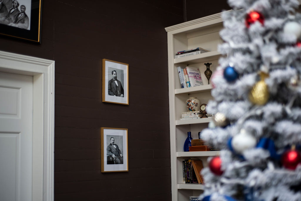 Patriotic Holiday Decor: Reconstruction Era Holiday Theme