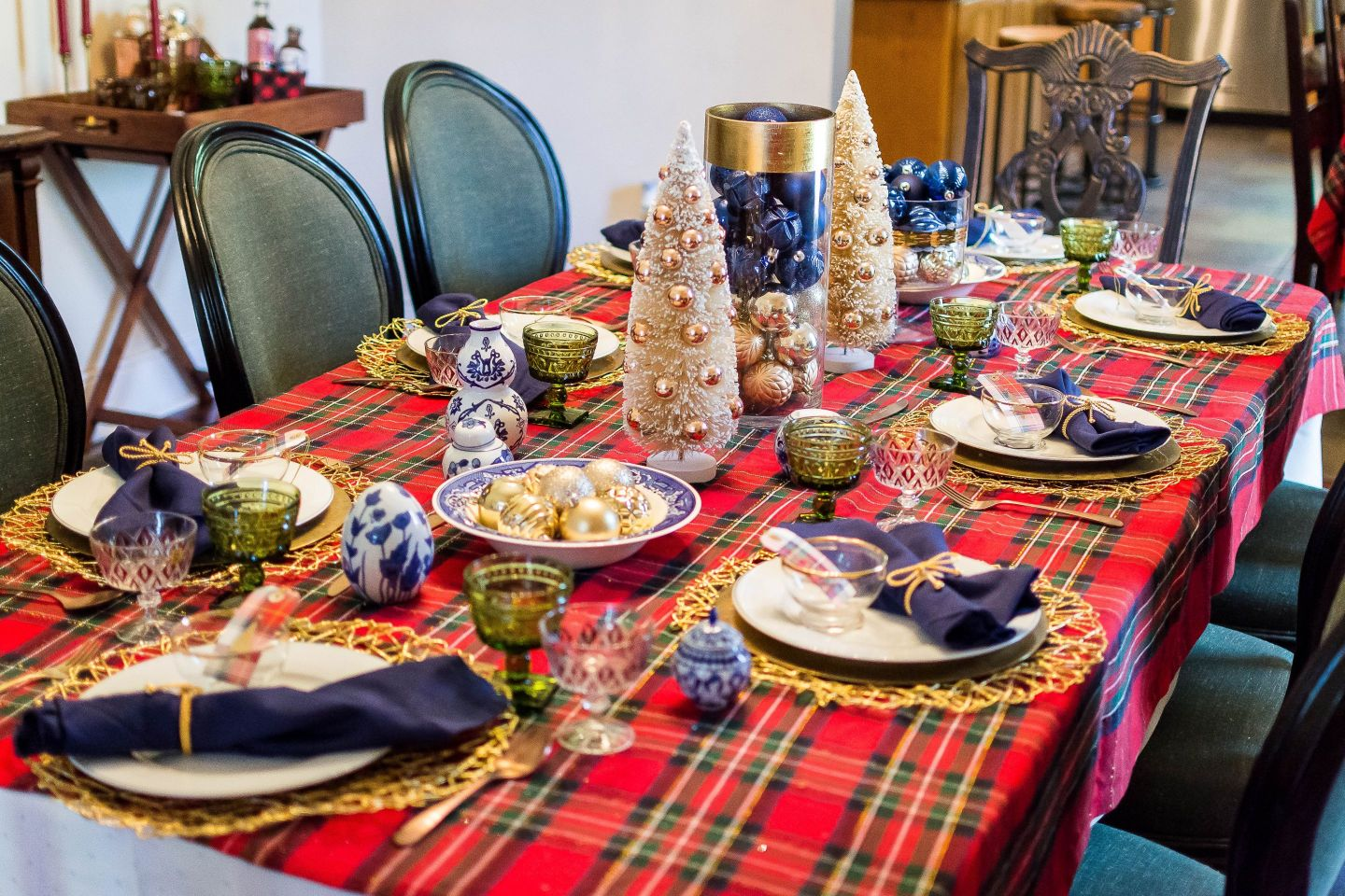 Plaid Holiday Inspiration – Christmas Dinner Party Fun