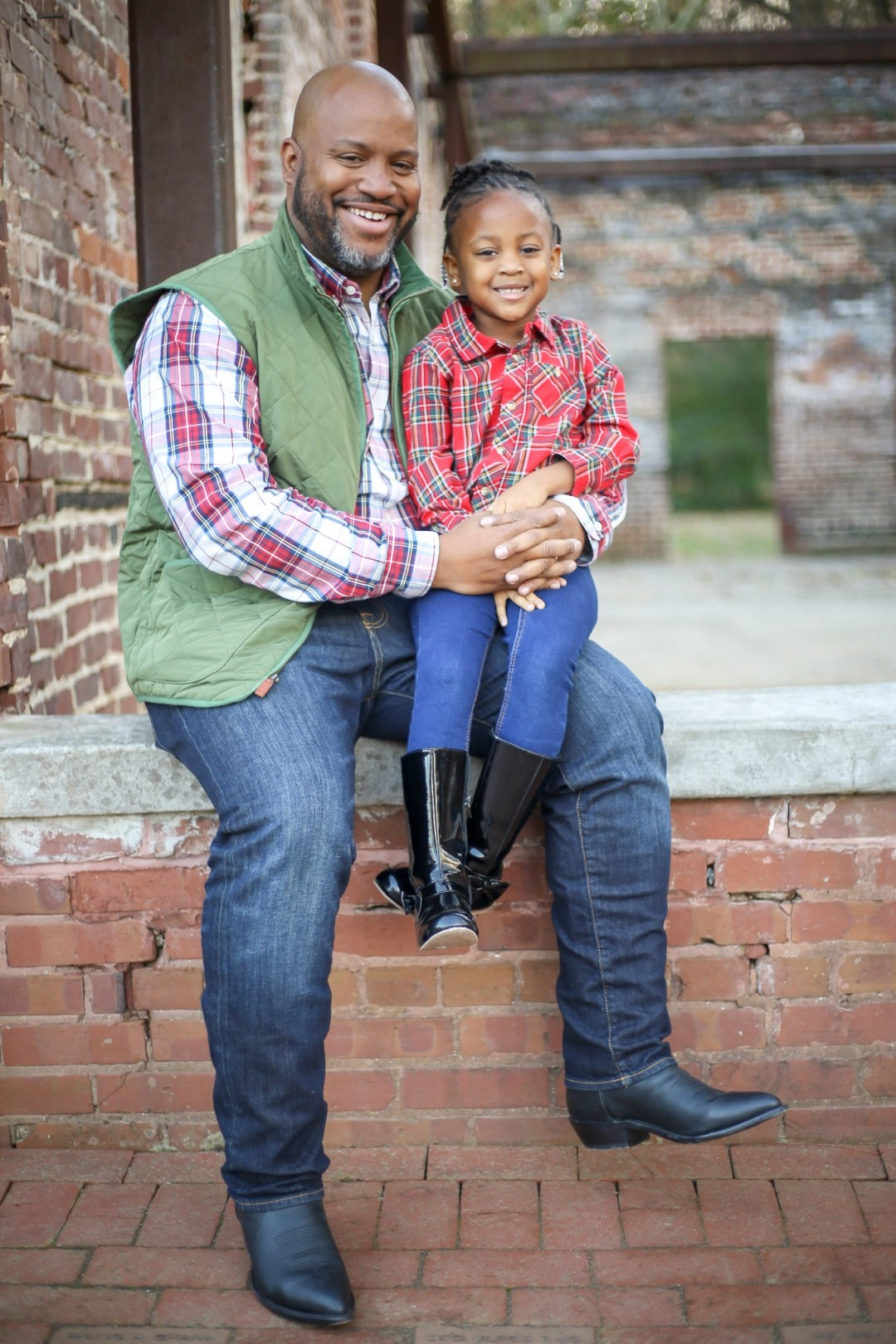 image2-3 Daddy's Girl: Father Daughter Holiday Photos We Love