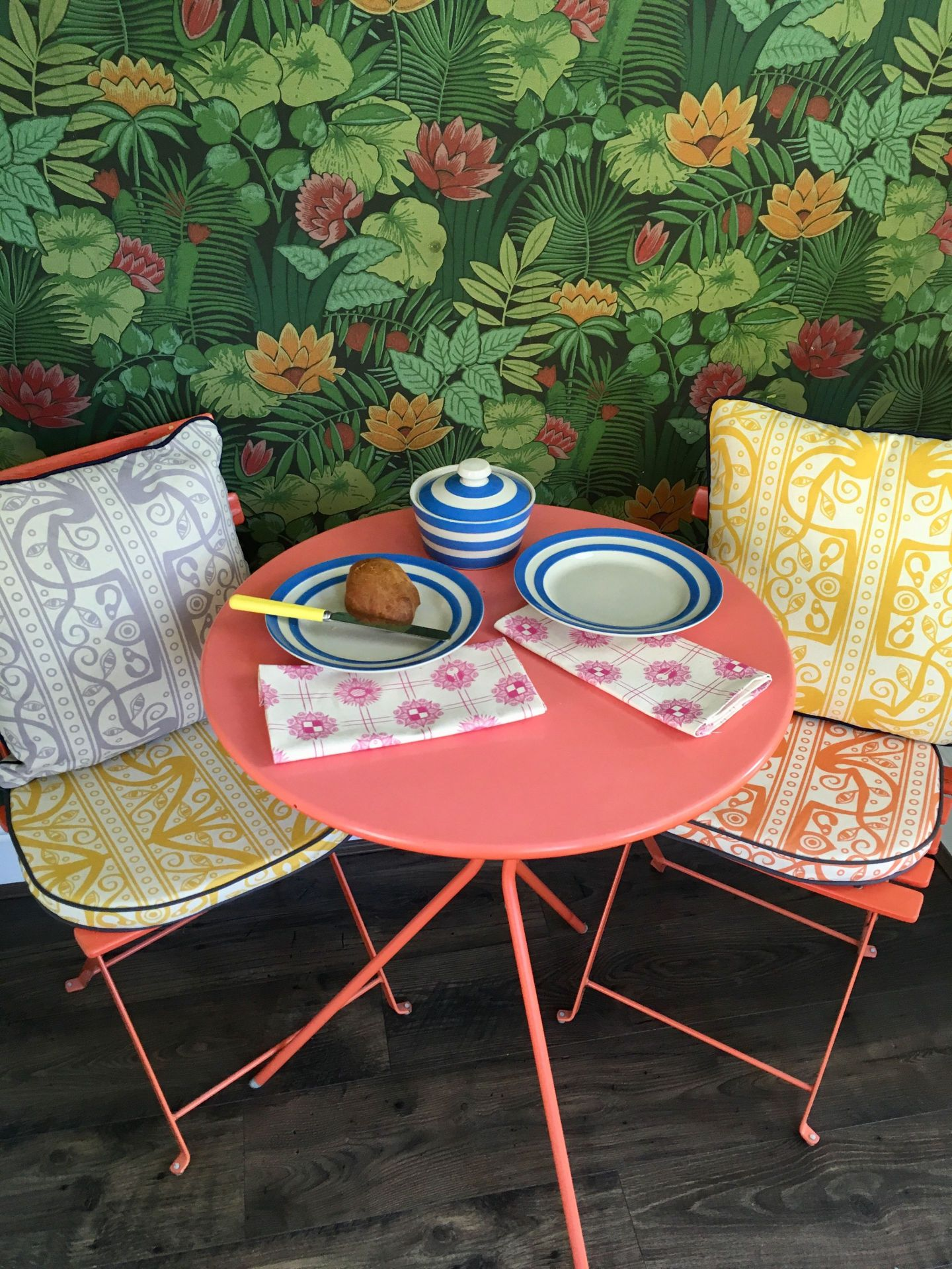 Summer-Picnic-Lifestyle-Shoot-with-Gilman-and-Retro-1-1-1440x1920 Modern Furniture with a Retro Twist for a Southern Home
