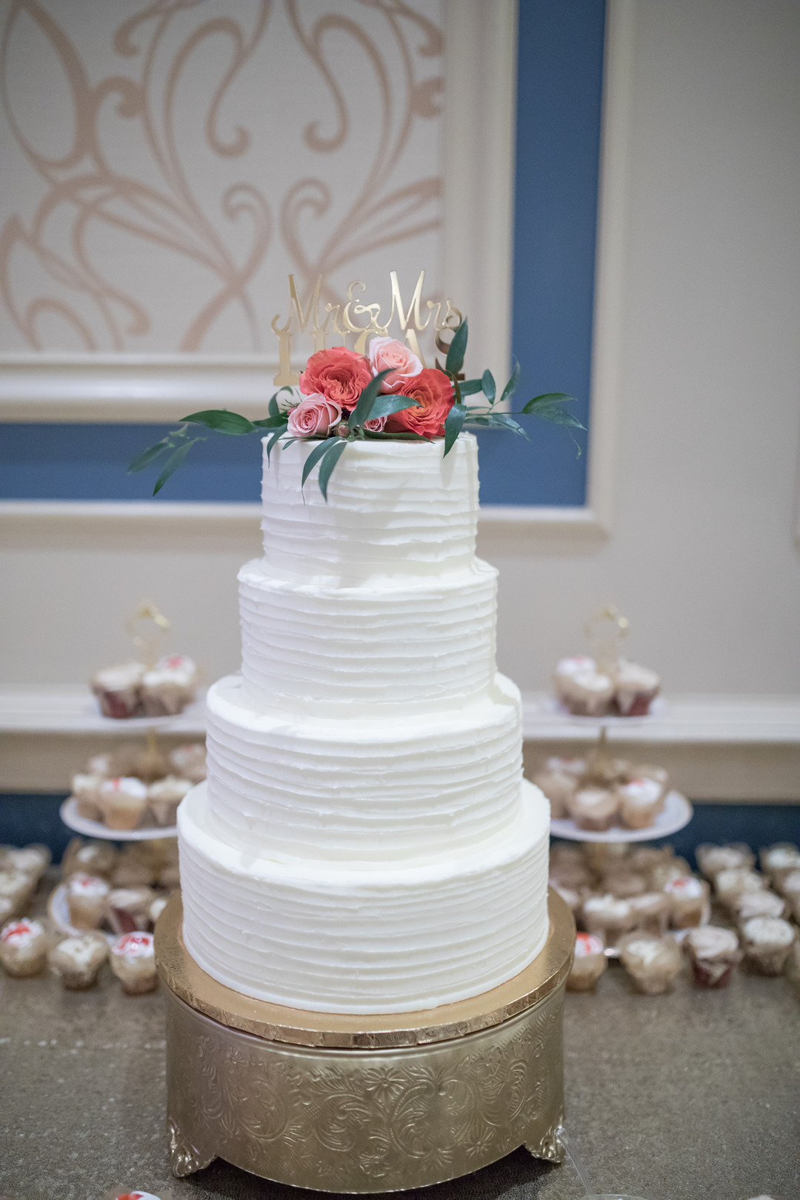 gvk4gvrtvzgk0rsjp371_big Charleston, SC Spring Wedding at Francis Marion Hotel