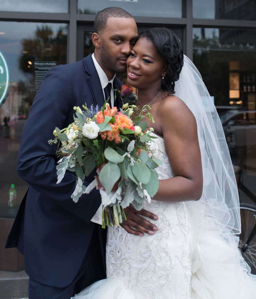 k26vbtm7ep3obwpqd383_big Charleston, SC Spring Wedding at Francis Marion Hotel