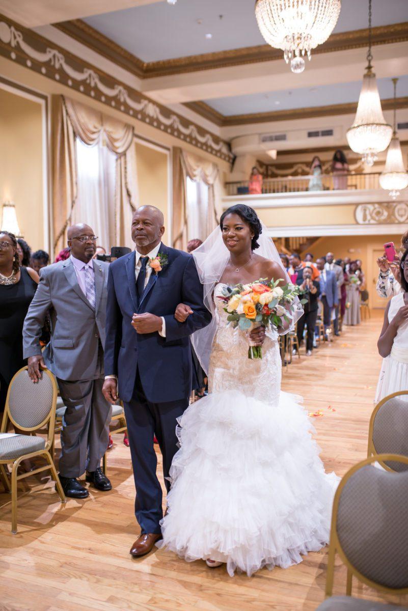sv6vavtpvatjp2n8ou34_big Charleston, SC Spring Wedding at Francis Marion Hotel
