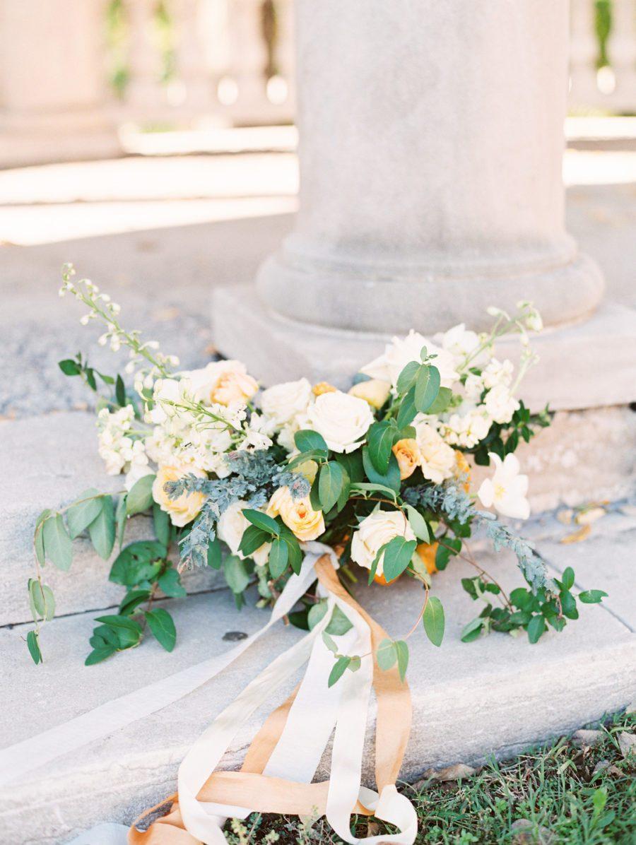 vt7zeqo55d1pi3xikt03_big Kansas City, Missouri Outdoor Wedding Inspiration