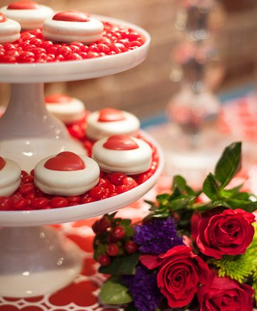 JPLJ8157 Southern Entertaining: Tips for Hosting Valentine's Day at Home from the Experts