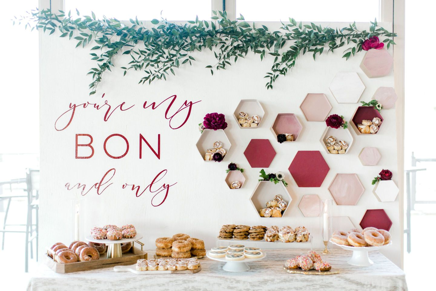 PineandSea_HuberWedding_ReceptionDetails-108-1-1440x960 Spring Wedding Inspiration: How to Host a Dessert Bar with Cinnabon
