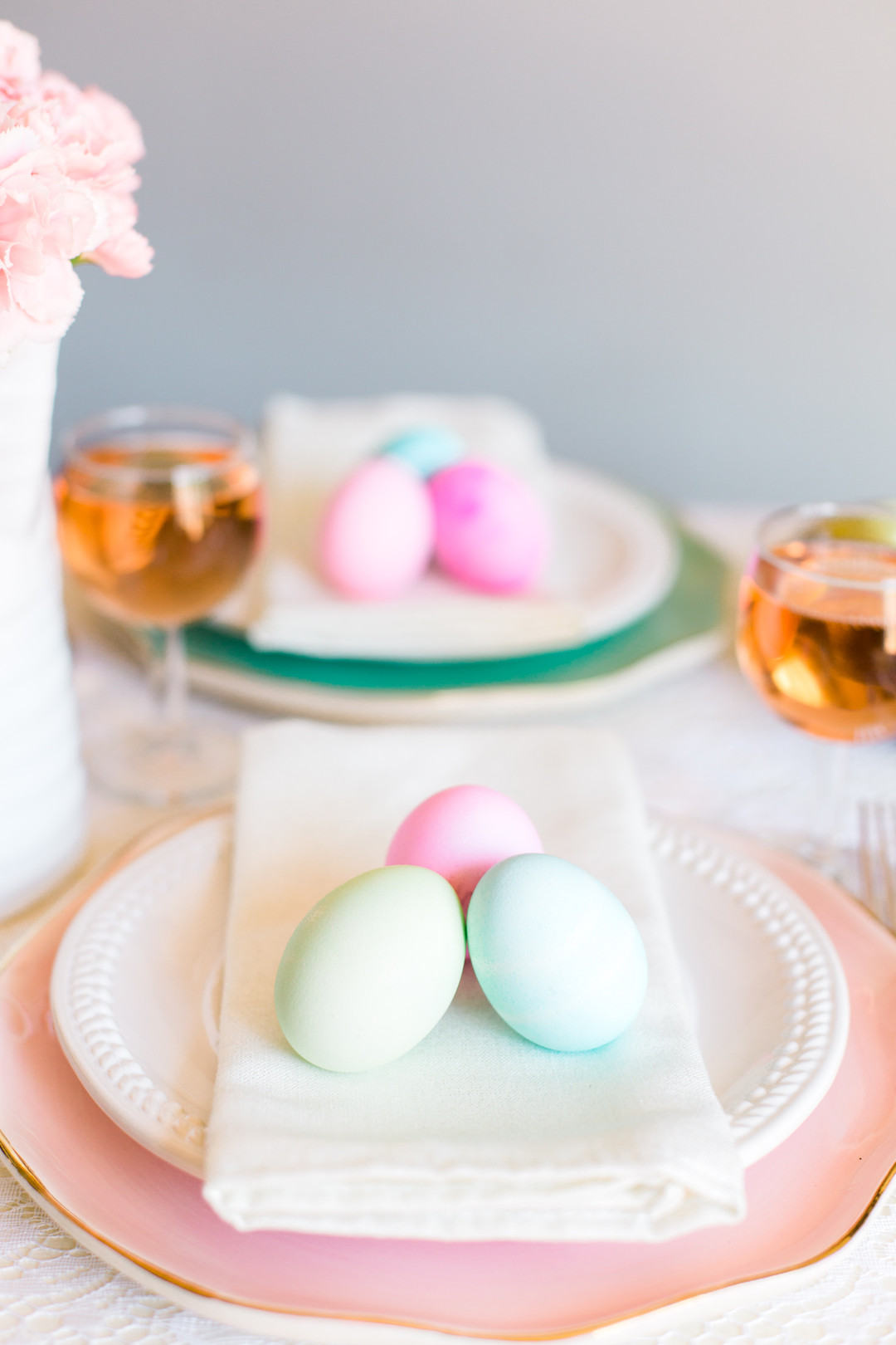 Staal_KristinaStaalPhotography_KristinaStaalPhotographyEasterTablescape20169_big Easy Entertaining: Easter Brunch Inspiration for Two