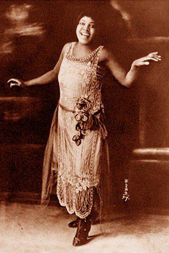 3044337781_ba08ee4af0 Legends of the Blues: 5 Black  Women of the Blues Era