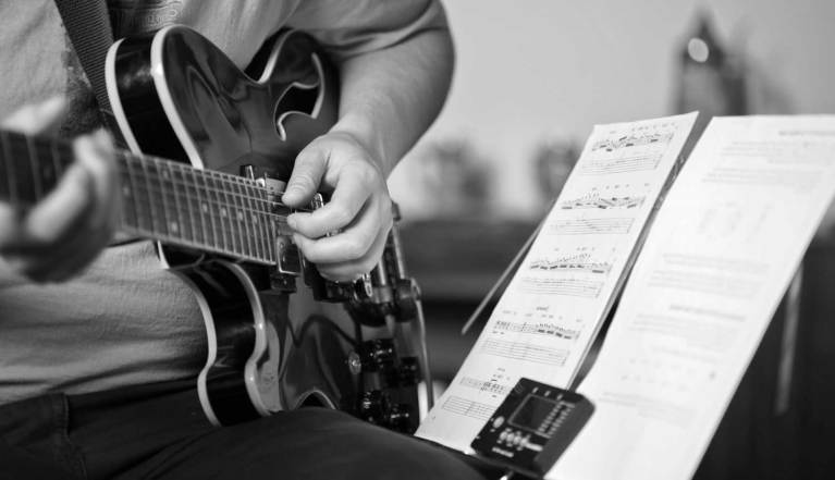 learn-guitar-tips