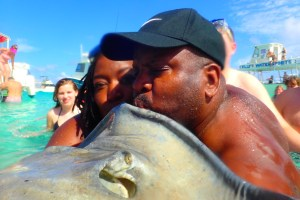 Bill kissing the Stingray