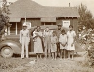 Flash-Black-Photo-African-American-Family-1938.jpg