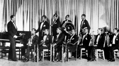 Black to the Music - Louis Armstrong - 09 The Fletcher Henderson Orchestra 1927
