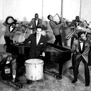 Black to the Music - Johnny Otis - 16 The Johnny Otis Revue - (c) Charlie Gillett Collection)