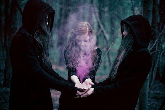 witches community support
