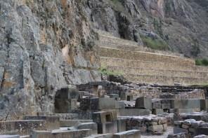 Erstaunlich, wie die Inka die Steine so passgenau meisseln konnten.