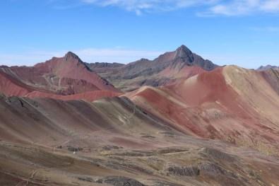Vom Aussichtspunkt ist der Weg ins Red Valley gut zu sehen. Noch nicht viele kennen das wunderschöne Tal.