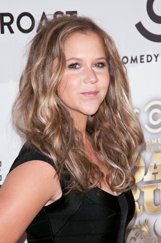 Amy Schumer Gets Called Out For Posting and Deleting False, Racist Tweet