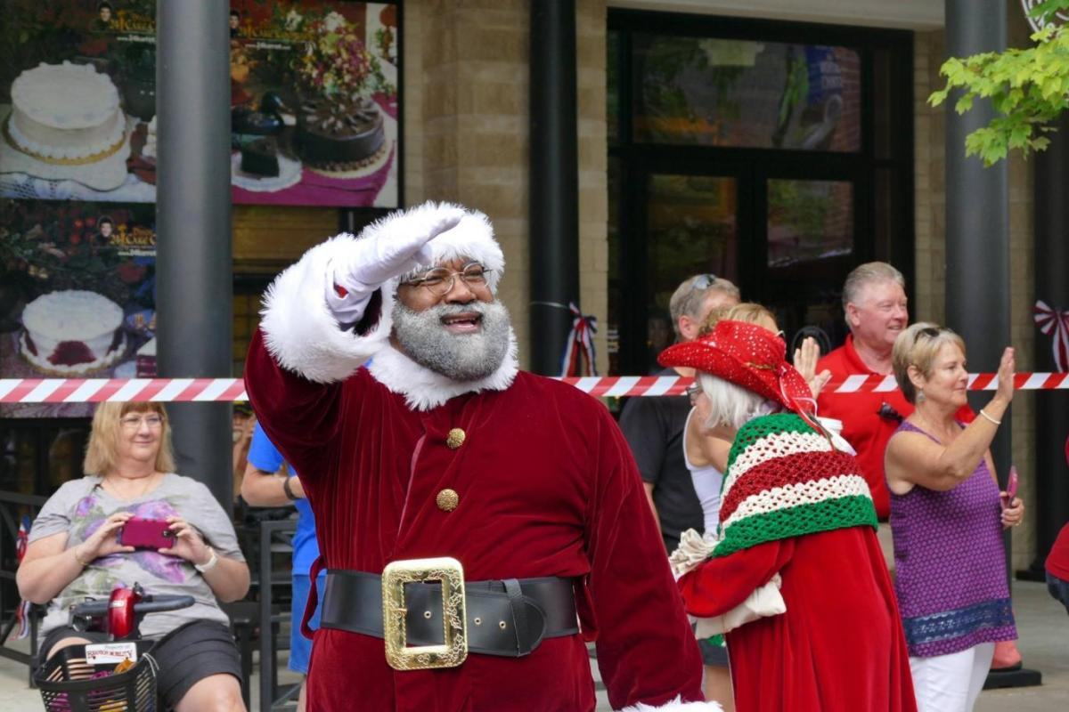 Mall Of America To Welcome First Black Santa