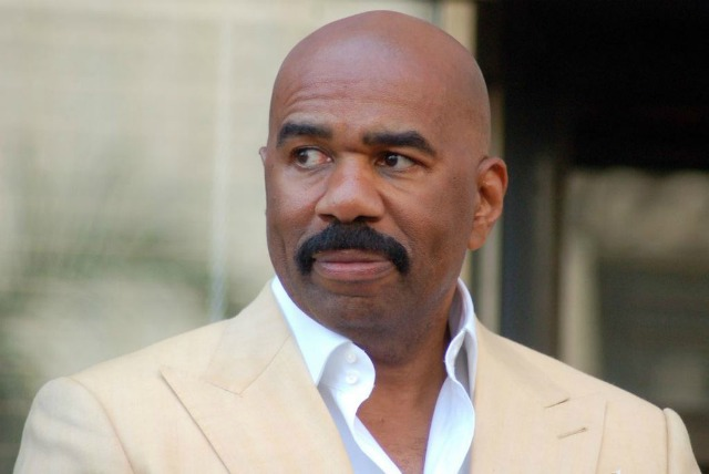 Steve Harvey Meets With Donald Trump, Internet (Including DL Hughley) Reacts Accordingly