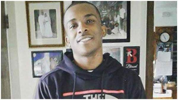 Sacramento police shoot Stephon Clark 20 times in his own backyard, falsely claim he had a crowbar in his hand