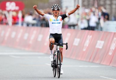 Richard Carapaz tok hjem seieren i en meget tøff fellesstart løype i OL Tokyo