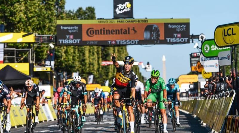 Årets siste etappe, vinner Wout Van Aert (Bel)