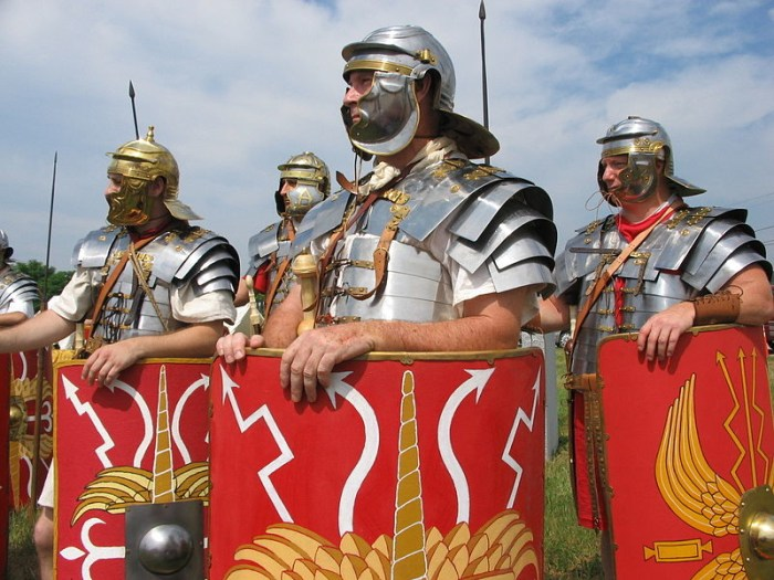 Prije dolaska Slavena, kod Josipdola je stajao drevni a danas izgubljeni Metulum, silan grad koji je umalo koštao glave i rimskog cara Augusta