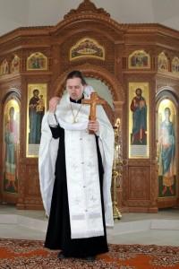 Священник Иоанн Бакушкин совершил освящение иконостаса