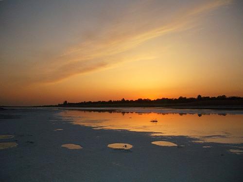 Целебная вода, грязь и рапа озера Тинаки в Астраханской ...
