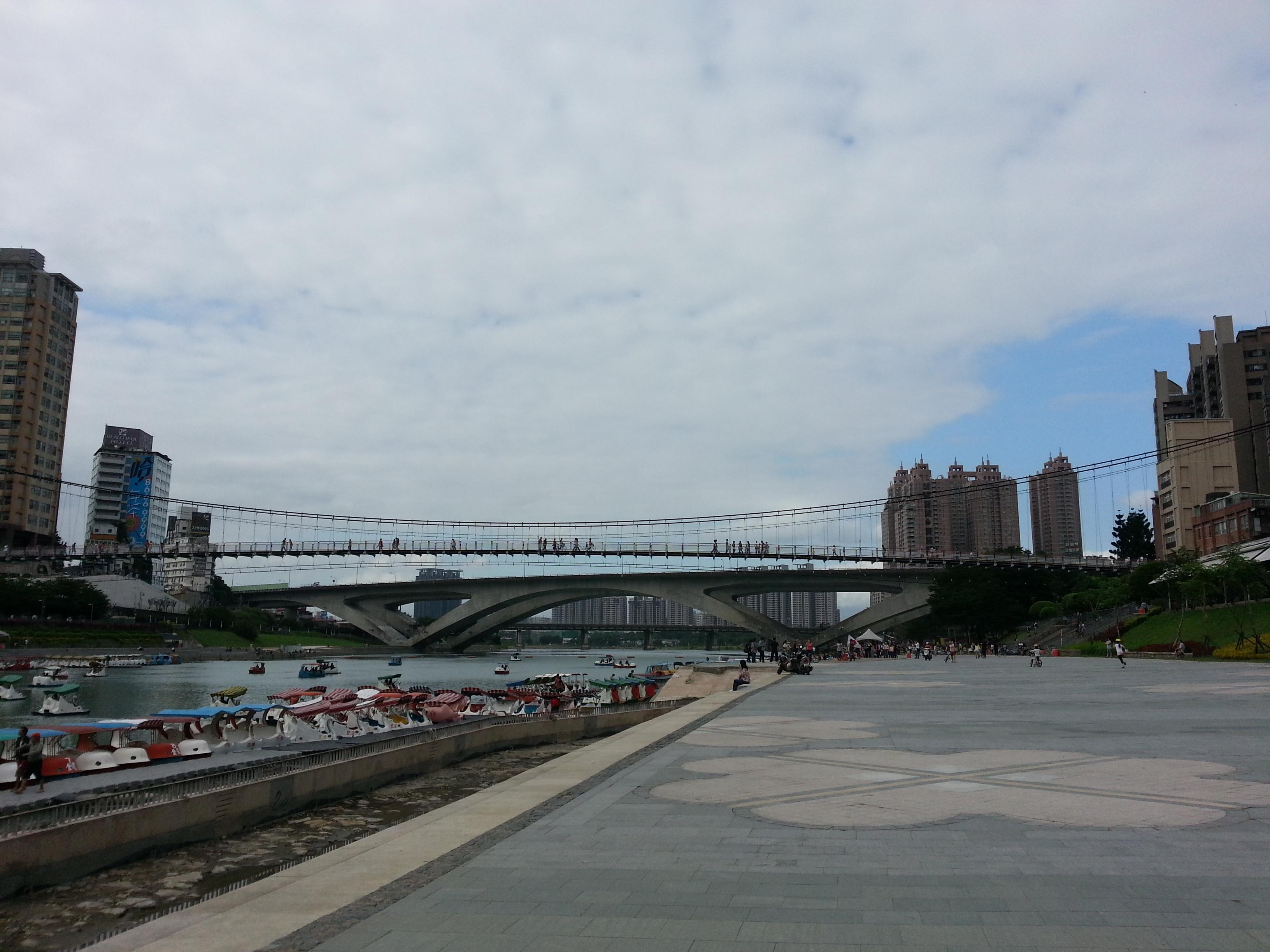 OCT/13/2012 步行記錄:信義金山南路-碧潭-644公車站牌:中正國小… | ♠ Black Coffee