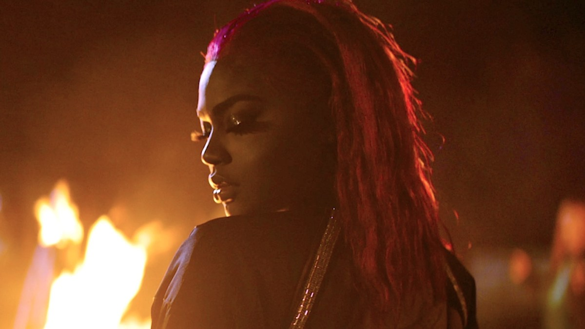 Video Premiere: Summerella - Do You Miss It