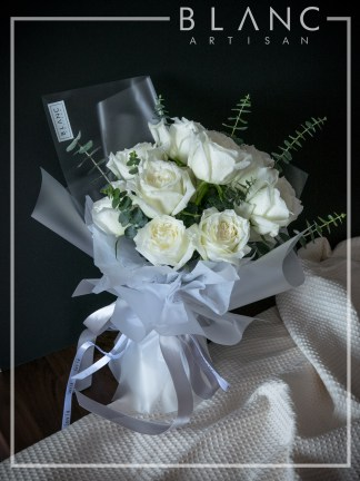 VALENTINE'S DAY WHITE ROSE BOUQUET