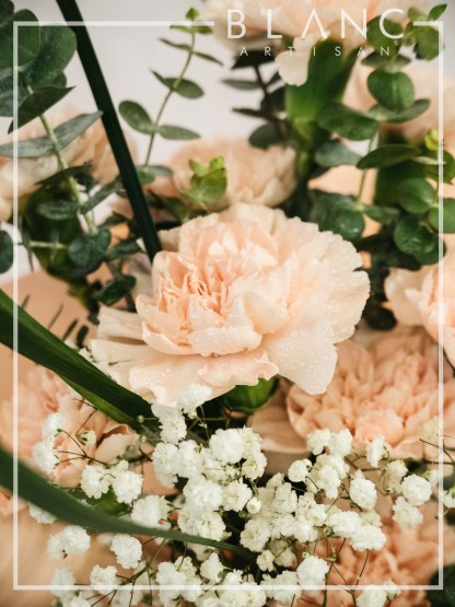 💐THURSDAY – MOTHER'S DAY PEACH CARNATION BOUQUET DELIVERY