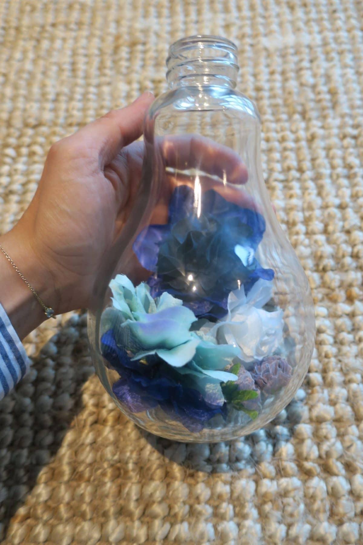 Bombillas con flores