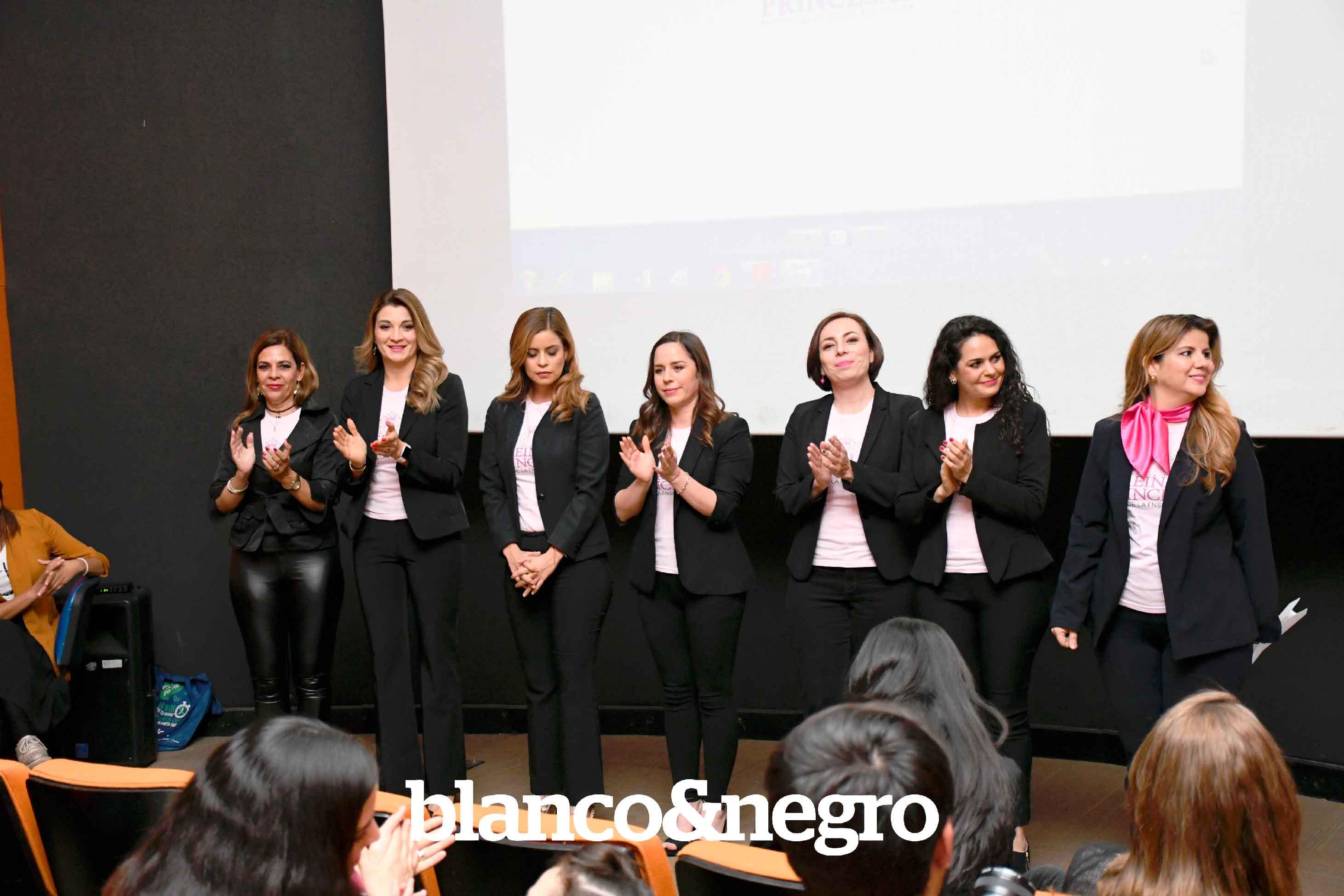 Girls-UP-Reynas-y-Princesas-092