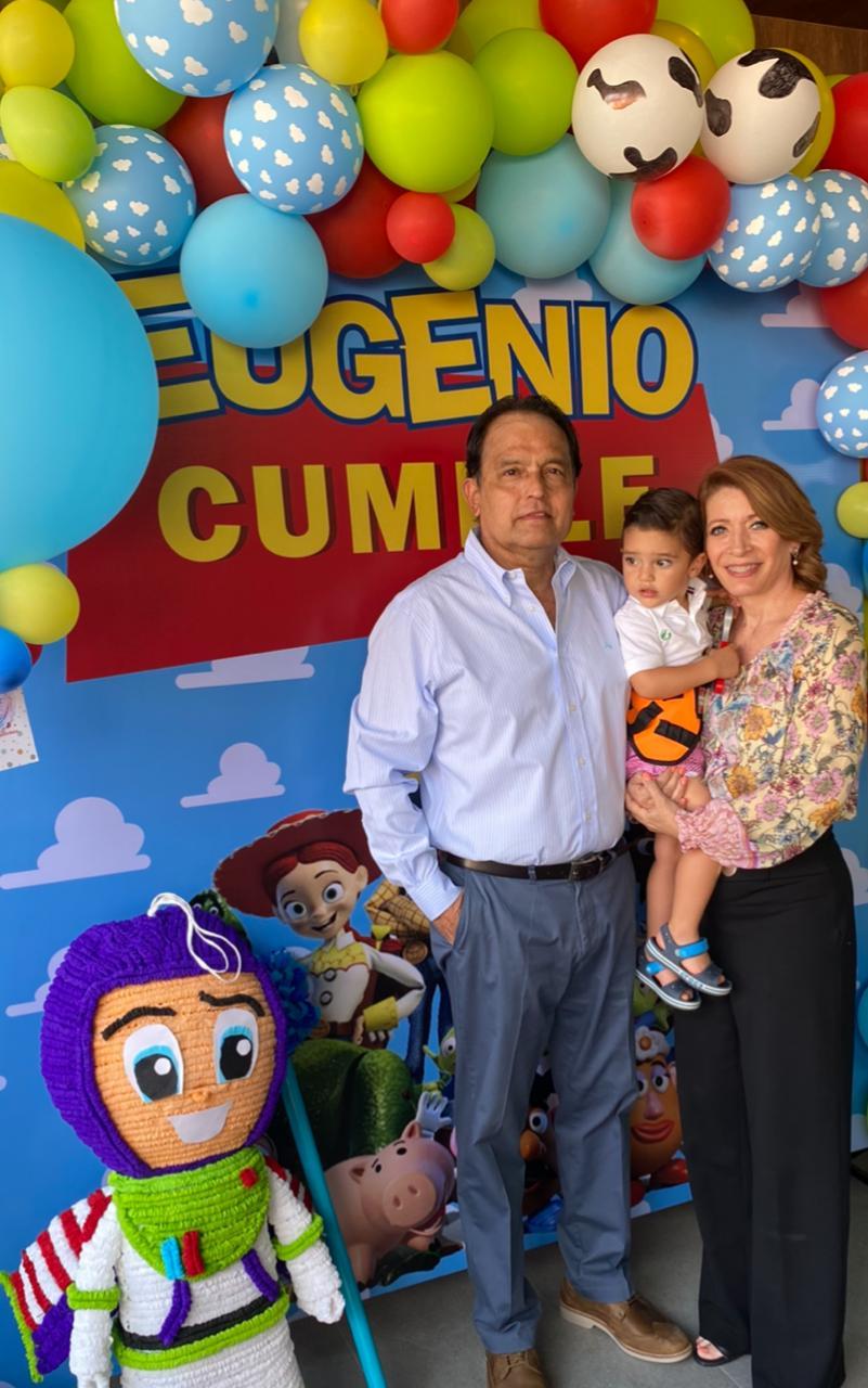 LICHA Y MARIO ROMO CON EUGENIO