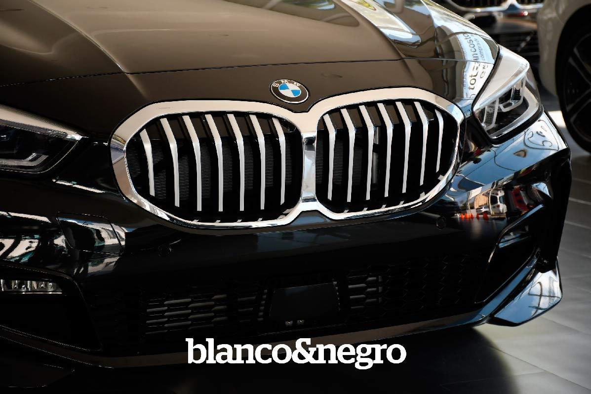 BMW-037
