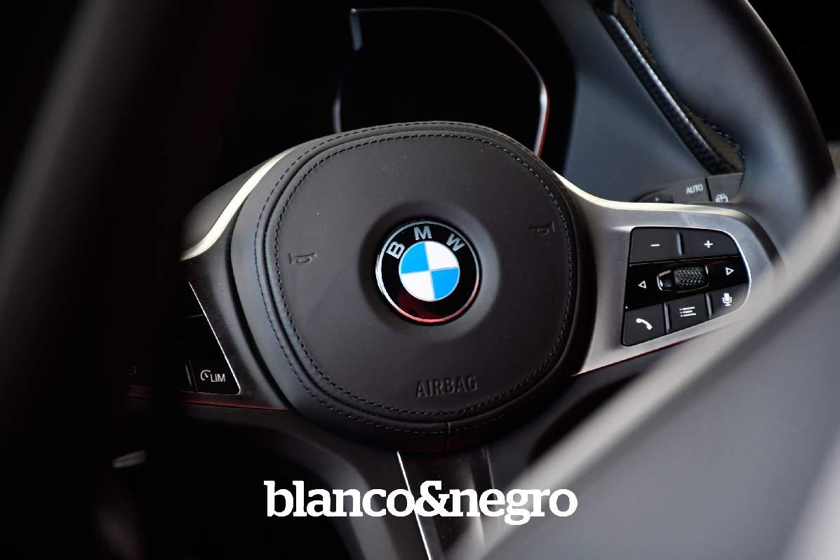 BMW-051
