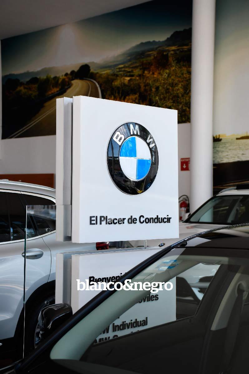 BMW-054