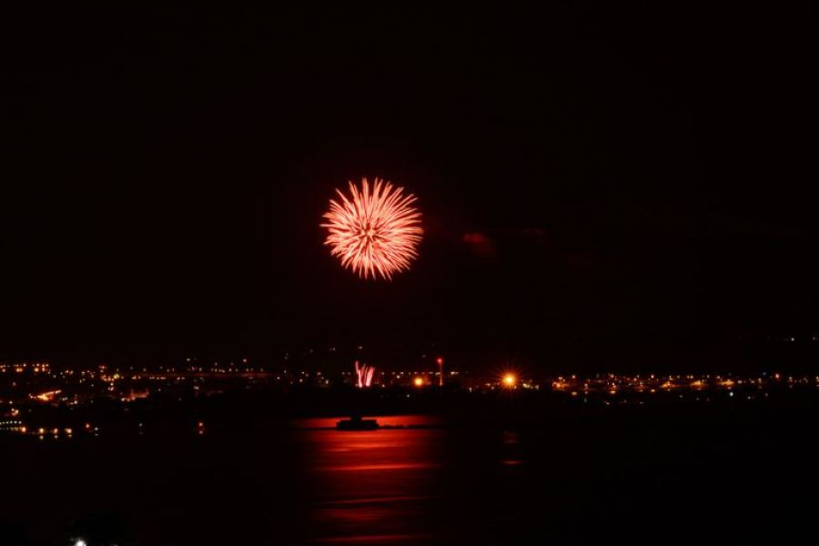 weymouth photographer fireworks red
