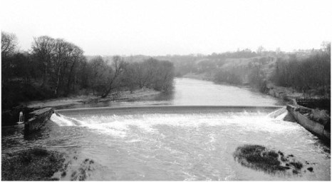 1976 Blantyre Weir on the River Clyde