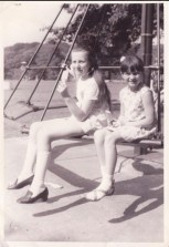 1971 Mary Crowe's nieces at David Livingstone Centre