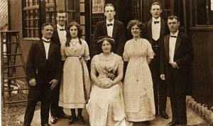 1910 Rouken Glen Troupe