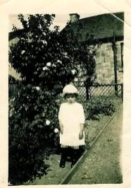 1918 Margaret Duncan at Enterkin